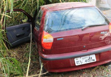 Motorista bêbado causa acidente no bairro Escola Agrícola, em Blumenau