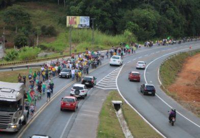 Paralisação de caminhoneiros já mobiliza população em diversas cidades do país
