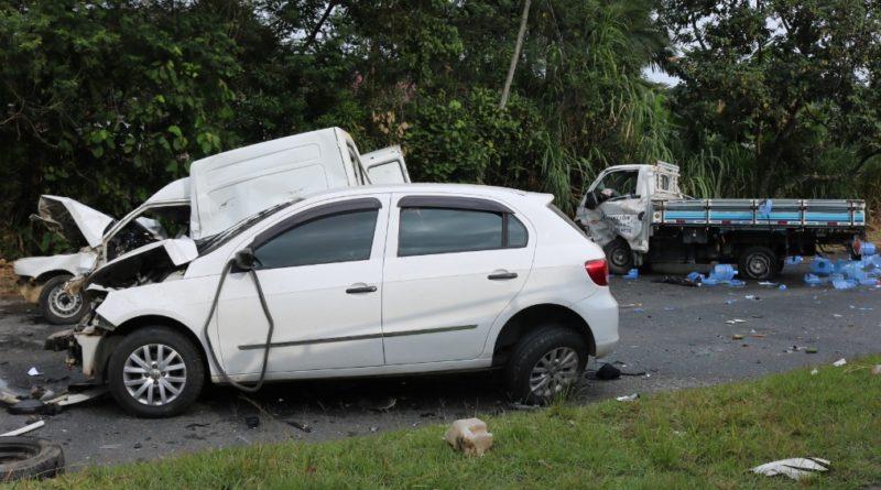 Acidente de trânsito na Via Expressa em Blumenau deixa três feridos, um em estado grave