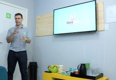 Escola inaugurada em Blumenau possibilita aprendizado de novas tecnologias e de programação para crianças e adolescentes