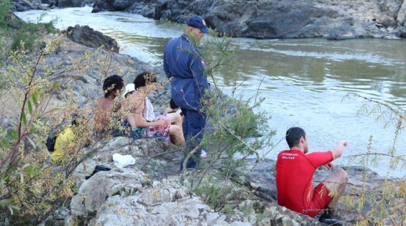 Drone auxilia bombeiros na busca por adolescente, vítima de afogamento do Rio Itajaí Açú