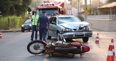 Pai e filha ficam feridos por conta de acidente de trânsito em Blumenau