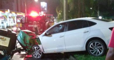 """""""Eu preciso me livrar"""" diz motorista embriagado que tentou fugir de acidente em Blumenau"""